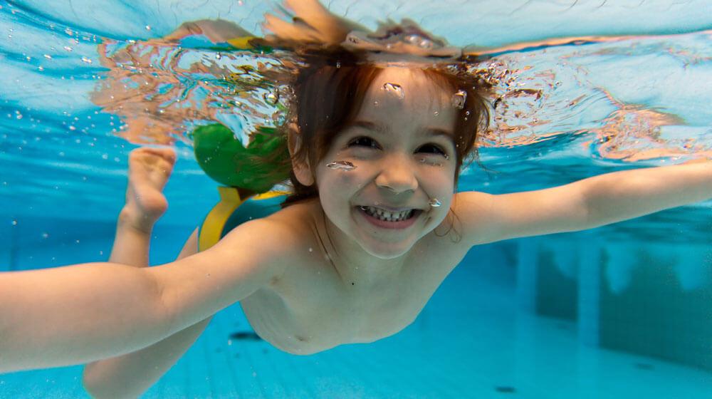 nude wemon in water photos